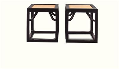 黑檀霸枨方凳
